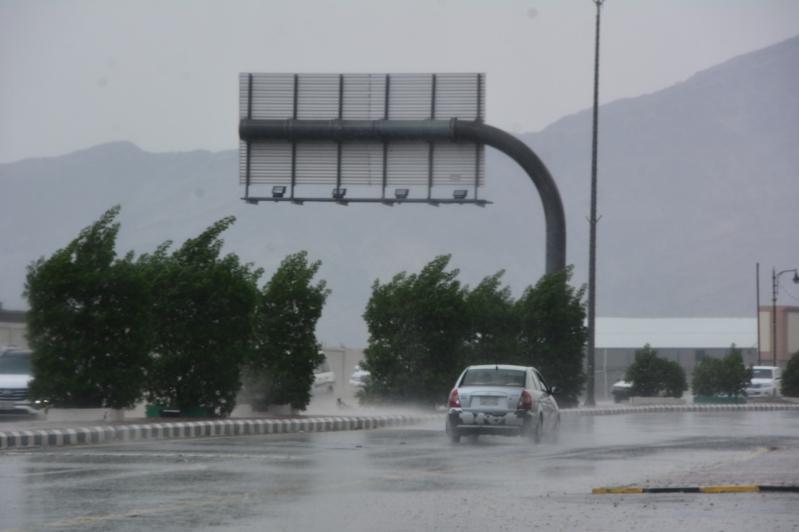 طقس الاثنين.. أمطار رعدية ورياح نشطة على 9 مناطق