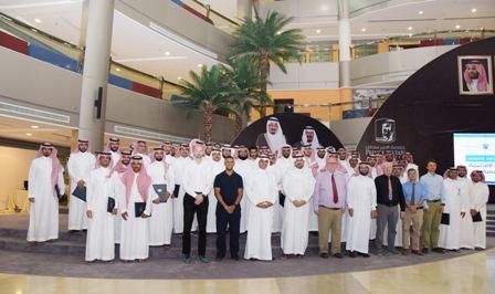 بالصور.. 250 معلماً ومعلمة ينهون برنامج اللغة الإنجليزية بجامعة الأمير سلطان