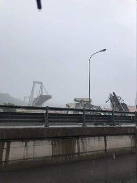 ارتفاع ضحايا انهيار جسر جنوى إلى 22 قتيلاً وعشرات المصابين