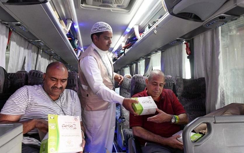 بالصور.. 2,5 مليون وجبة وعبوة ماء لضيوف الرحمن بالمدينة المنورة