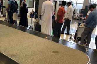 بالصور.. تكدس المسافرين في مطار جازان بسبب سير العفش! - المواطن