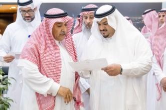 بالفيديو والصور.. أمير الرياض بالنيابة يستمع لشكاوى المراجعين بأمانة المنطقة - المواطن
