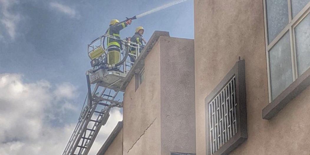 إخلاء 27 شخصًا بسبب حريق أثاث بسطح عمارة في الطائف
