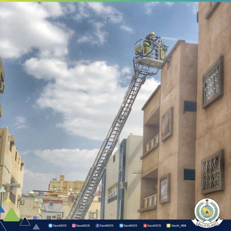 إخلاء 27 شخصًا بسبب حريق أثاث بسطح عمارة في الطائف - المواطن