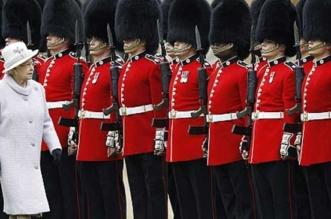 بالفيديو.. معلومات لا تعرفها عن الحرس الملكي البريطاني - المواطن