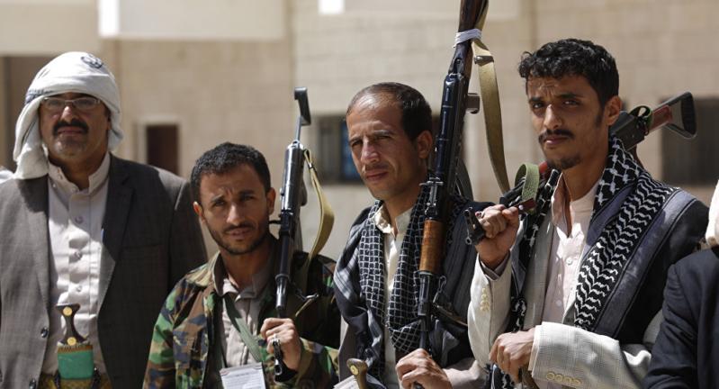 ميليشيا الحوثي تبتز وتنهب القطاع الصحي الخاص
