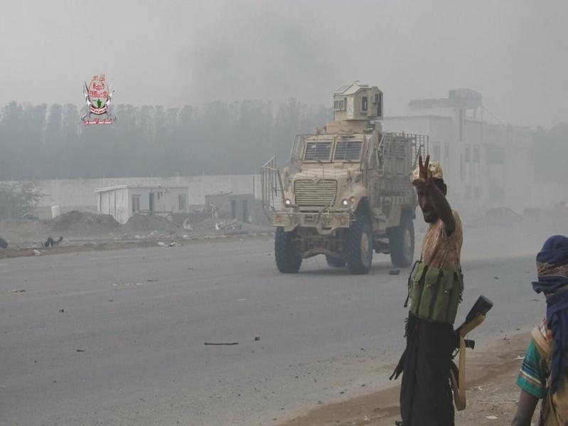 الجيش اليمني يصادر أسلحة الحوثيين شرق الحديدة