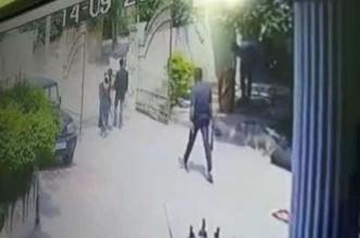 مشهد صادم .. ذبح رجل أمام زوجته بوضح النهار - المواطن