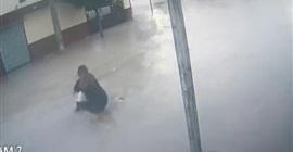 شاهد.. مصرع طالب صعقًا بالكهرباء بسبب الأمطار ونجاة اثنين آخرين - المواطن