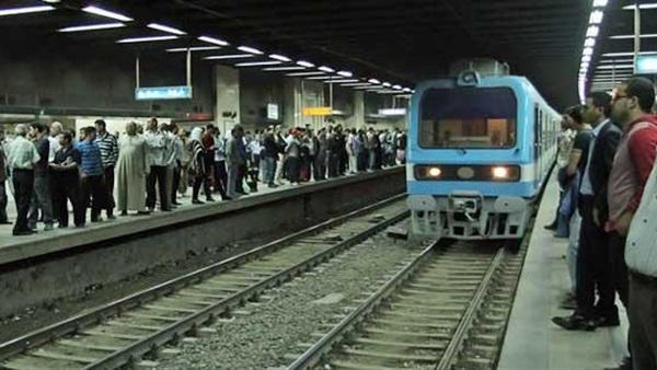 محاولة انتحار أمام مترو الأنفاق بمصر.. والنهاية غير متوقعة