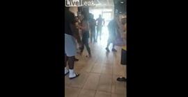 بالفيديو.. مشاجرة عنيفة بين امرأة وعاملة داخل ماكدونالدز - المواطن