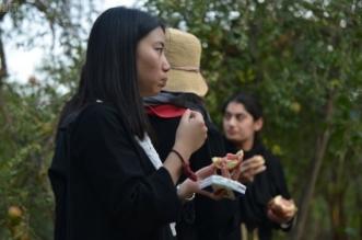 بالصور.. ردود أفعال الأجانب في مهرجان رمان الباحة - المواطن