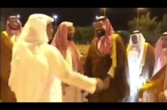 فيديو .. ولي العهد يزور الشيخ سعد بن ناصر الشثري بمنزله في الطائف - المواطن