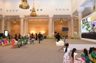 سكان الرياض يدخلون مجلس البيعة ومكتب الملك ومجلس استقبالاته في قصر الحكم - المواطن