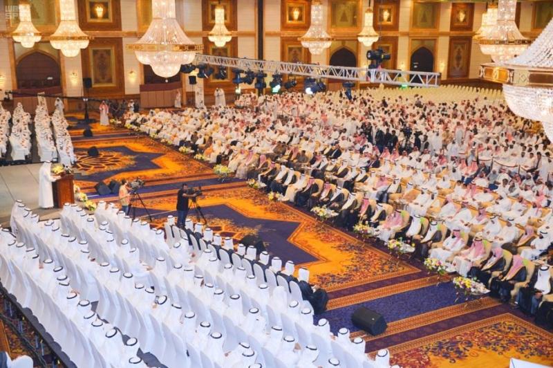 مشعل بن ماجد يكرم 1000 حافظ وحافظة للقرآن الكريم بجدة - المواطن