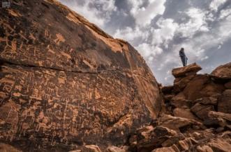 اكتشاف مواقع يعود تاريخها إلى 100 ألف عام في جبال جنوب الرياض - المواطن