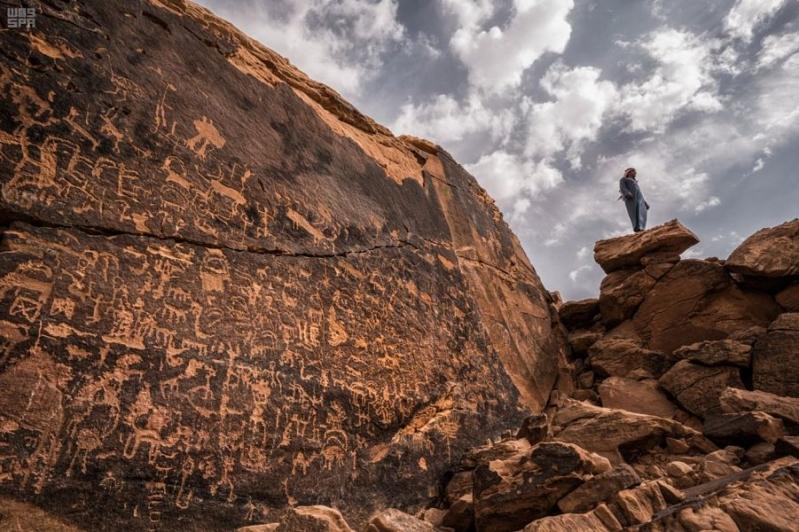اكتشاف مواقع يعود تاريخها إلى 100 ألف عام في جبال جنوب الرياض