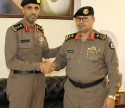 مدير شرطة الباحة يقلد خالد الغامدي رتبة عقيد - المواطن