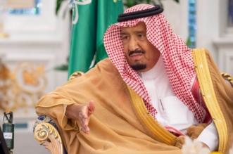 الملك يتسلم التقرير السنوي الـ54 للنقد العربي السعودي ويشيد بجهود المؤسسة - المواطن