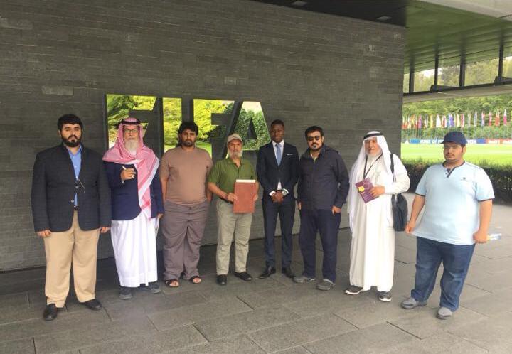 أبناء الغفران أمام مقر الفيفا: تنظيم الحمدين سلب أرضنا لإقامة منشآت كأس العالم