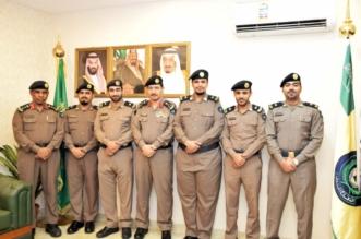 مدير مدني مكة يقلد عدداً من الضباط رتبهم الجديدة - المواطن