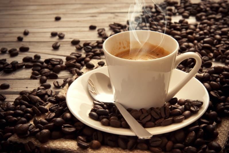 كم فنجانًا من القهوة يمكن أن تشرب في اليوم؟