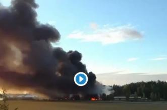 شاهد.. حريق مستودع به 200 طن بارافين يُجلي 300 شخص ويدمر 5 آلاف م - المواطن