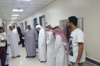 موقف إنساني .. خالد بن عبدالله يواسي أسرة خالد قاضي في المستشفى - المواطن