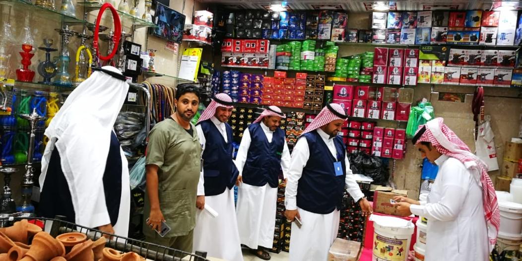 لجنة مكافحة التبغ بجازان تواصل مطاردة المخالفين