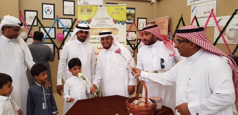 بالورود والحلوى.. مدرسة صهيب الرومي تحتفي بطلاب الأول الابتدائي - المواطن