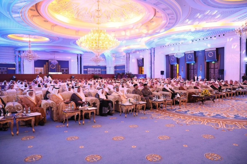 عبدالله بن بندر يكرم الفائزين بجائزة التميز في العمل الخيري - المواطن