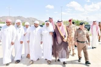 صور مؤثرة.. أمير نجران يواسي ذوي الشهيدين آل مهري وآل فروان - المواطن