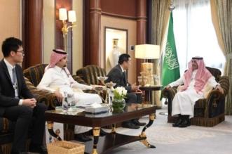 الجدعان يبحث التعاون والاستثمار مع رئيسي هواوي السعودية وريبلوود ادفايزورز - المواطن