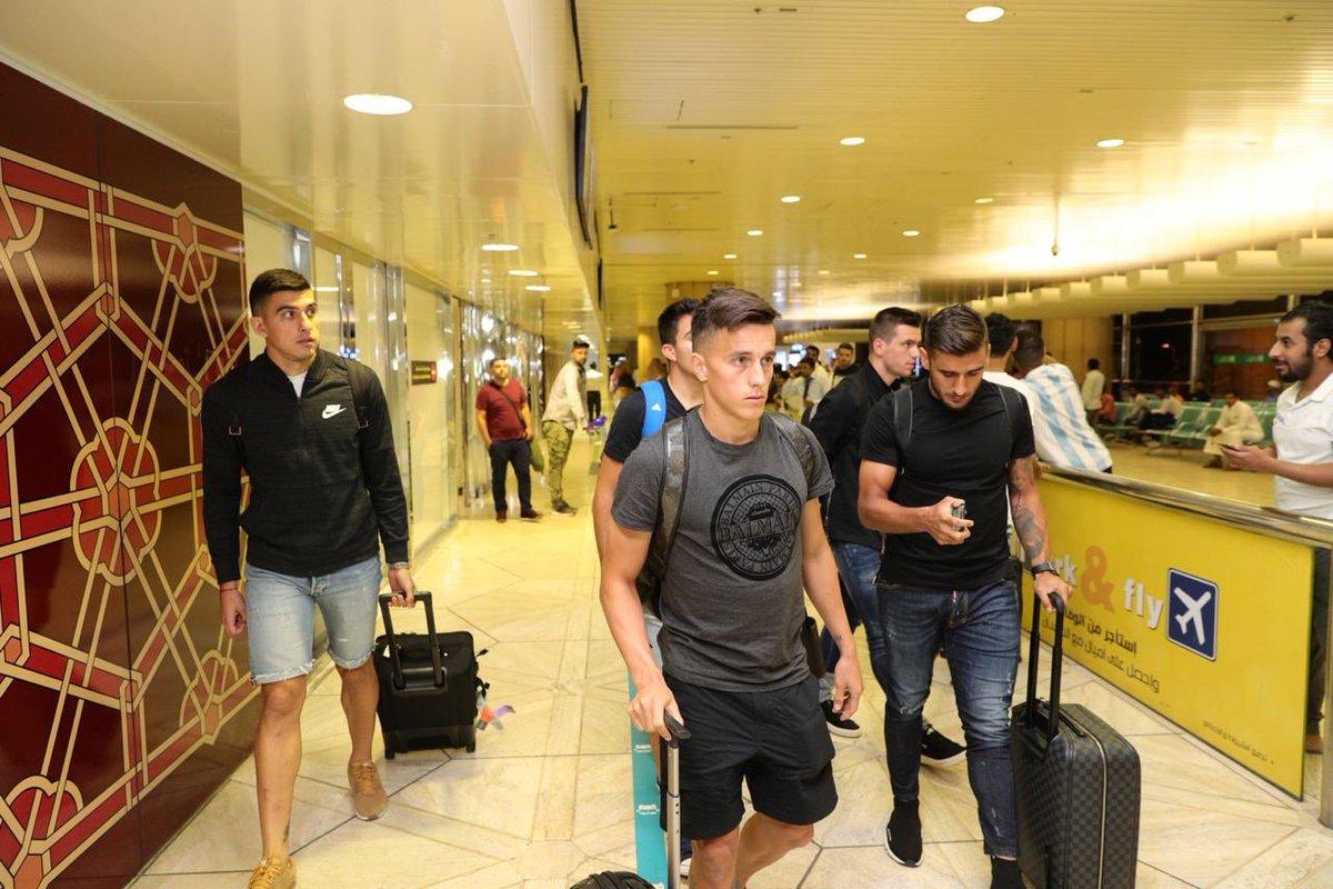 استعدادًا لبطولة سوبر كلاسيكو.. نجوم الأرجنتين يصلون الرياض