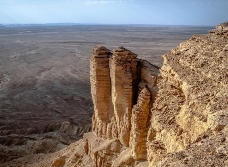 بالفيديو تعرف على جبل طويق عن قرب رمز شموخ وهمة السعوديين صحيفة المواطن الإلكترونية