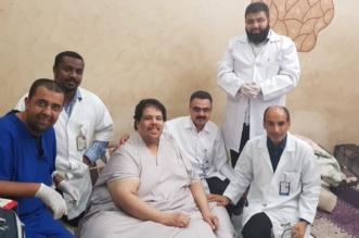 فريق طبي يزور الحنابي مريض داء الفيل للوقوف على حالته الصحية - المواطن