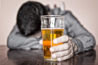 مصرع 84 وإصابة 959 تناولوا مشروبات كحولية مسممة في إيران - المواطن