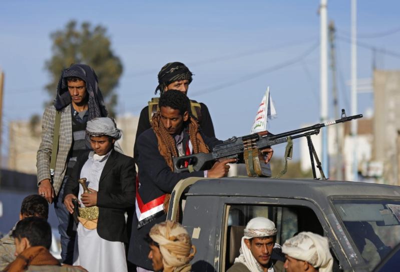 ميليشيا الحوثي ترفض السلام بقصف جديد