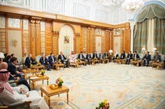 ولي العهد يستعرض المبادرات الاستثمارية مع رؤساء الصناديق السيادية وشركات العالم - المواطن