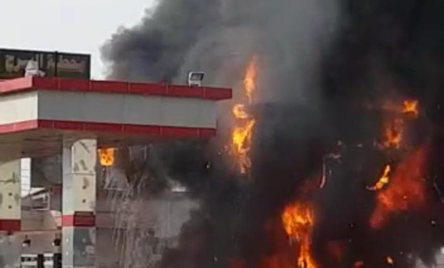 صور.. حريق مروع يلتهم محطة بنزين في راشدية مكة
