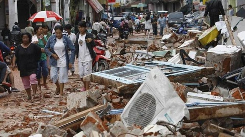 صور.. ارتفاع ضحايا زلزال إندونيسيا لـ2113 قتيلًا وأكثر من ألف مفقود - المواطن