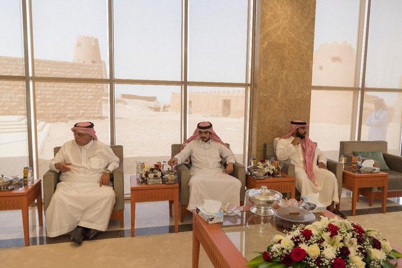 بالصور.. أمير الجوف يصطحب وزيري الثقافة والتجارة بجولة على آثار المنطقة - المواطن