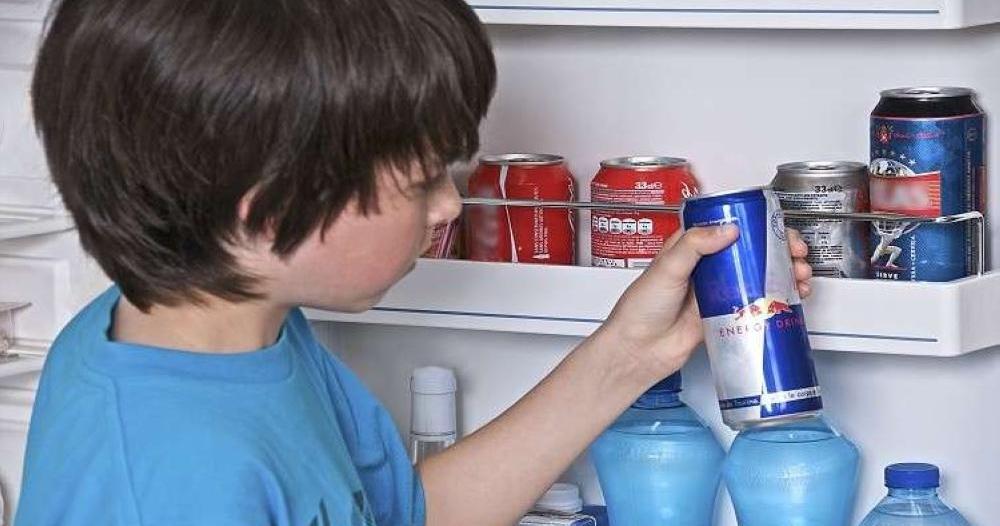 تحذير للآباء..مشروبات الطاقة تدمر صحة الأطفال