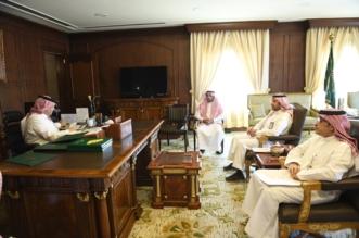 نائب أمير عسير يناقش تشغيل مشروع طائرة الإسعاف الجوي - المواطن