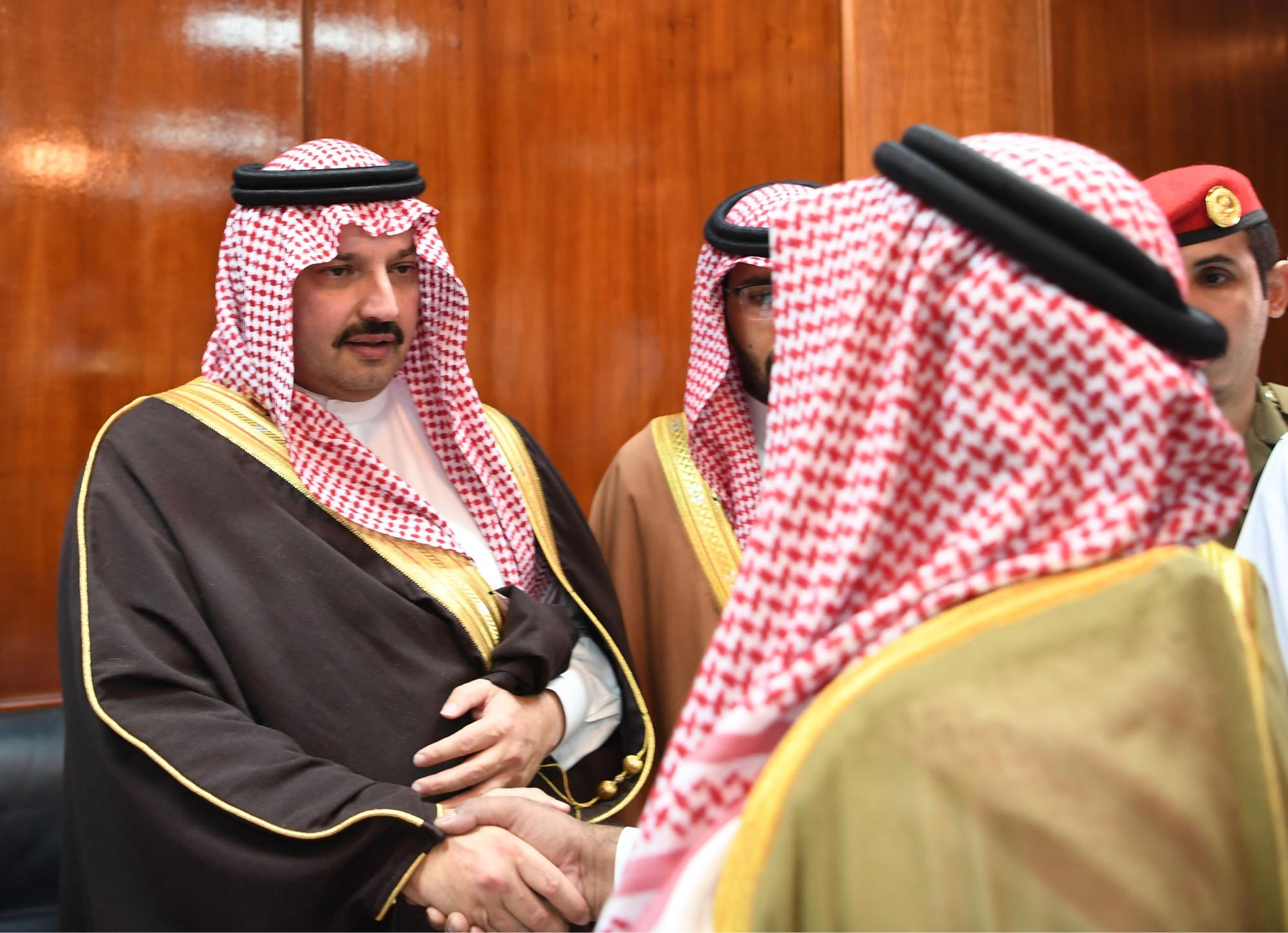 صور.. تركي بن طلال يزور الحرجة ويقف على عدد من المشروعات ...