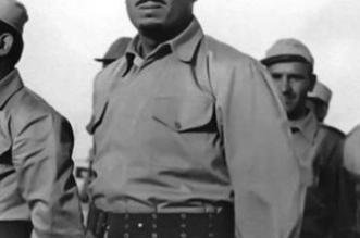 صورة نادرة للملك سلمان مرتدیاً الزي العسكري خلال مشاركته بحرب الودیعة - المواطن