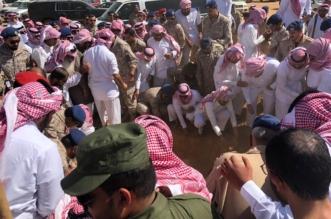 صور.. مشهد مهيب في تشييع الشهيدين ضحايا حادث سقوط طائرة هوك - المواطن