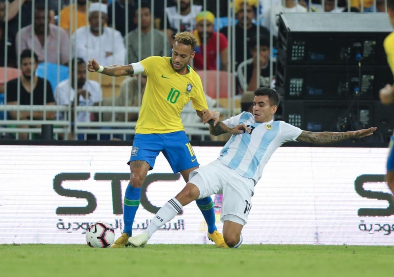 مباراة البرازيل والأرجنتين .. لدغة ميراندا تُهدي سوبر كلاسيو للسامبا