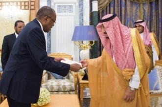 الملك يتسلم رسالة خطية من رئيس أنغولا - المواطن