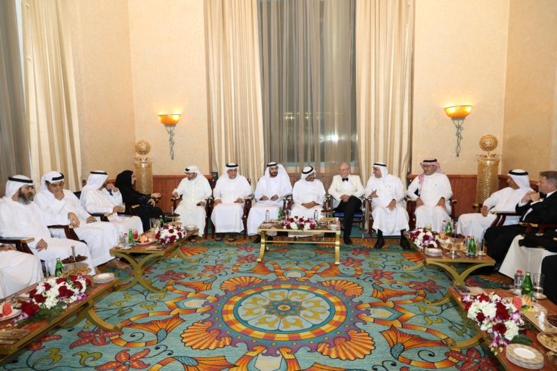 صور.. البحري تشارك في قمة دبي البحرية ومؤتمر ومعرض سيتريد الشرق الأوسط - المواطن
